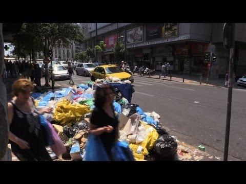 Grèce: les ordures s'entassent dans les rues d'Athènes