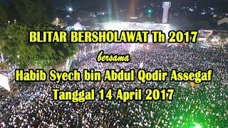 Video Habib Syech bin Abdul Qodir Assegaf KOTA BLITAR 14 APRIL 2017 download MP3, 3GP, MP4, WEBM, AVI, FLV Oktober 2017
