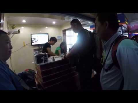 Money exchange at Mandalay Myanmar แลกตังที่มานดาเลย์
