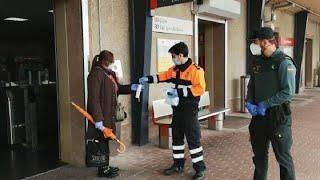 Reparto de mascarillas en estaciones de Asturias