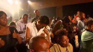 Praise Him in An African Way   Solly Mahlangu mp4 8ub1bf4