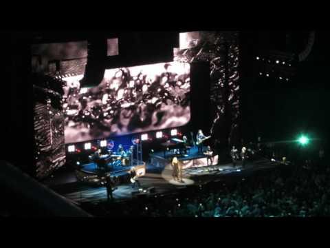Stevie Nicks ~ Gypsy (Pittsburgh, PA 3-31-17)