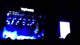Arctic Monkeys - Arabella LIVE VOODOO 2014