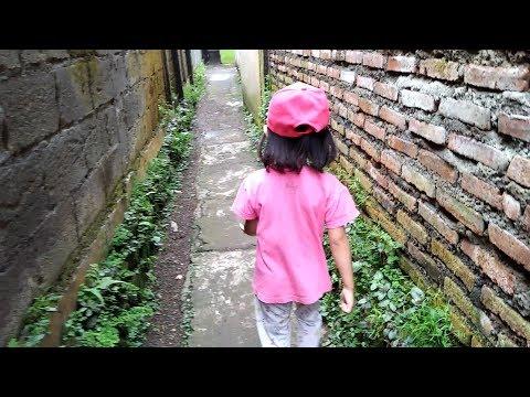 Rela Jalan Kaki Demi Beli Mainan Anak Murah di Pedagang Keliling 8500 dapat banyak Mp3