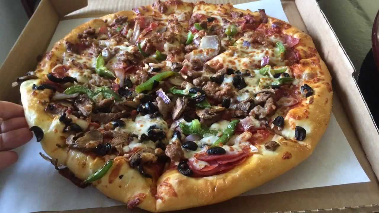 differentiation between pizza hut and domino in mlaysia Domino's vs pizza hut: which chain has the best pizza for your money i do believe that domino's is better, but pizza hut isn't bad.