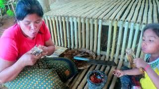 Primitive Life Village - Mother catches Duck cook - Cook delicious duck Sita Puppies