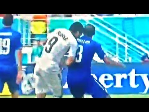 Luis Suárez Bites Giorgio Chiellini in World Cup Match (2014)