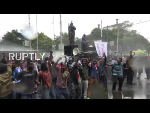 Indonesia: Police fire water cannons at Papuans calling for independence