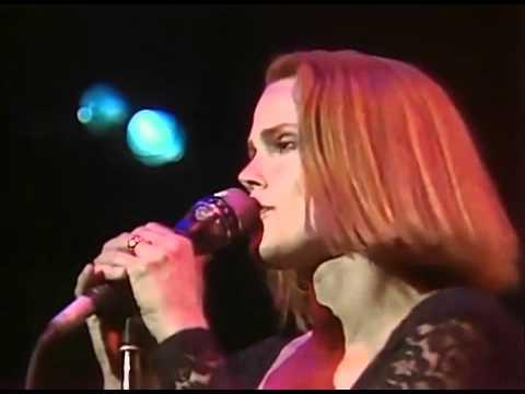 Belinda Carlisle - Circle in the Sand (Live 1990)