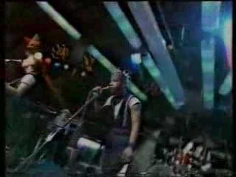 Johnny Friendly, JoBoxers live on The Tube, '83