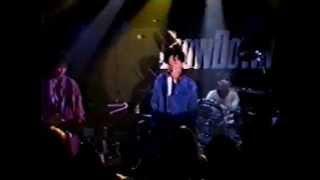 大阪府枚方市「BLOW DOWN」でのライブ 20才の頃の演奏。