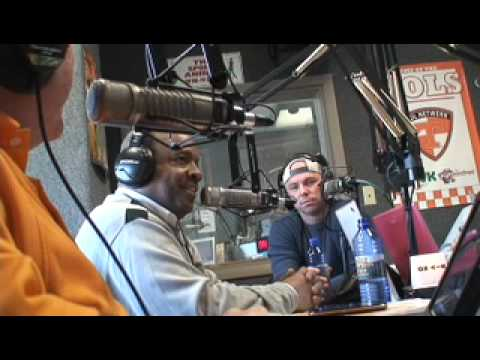 02-16-11 Part 3 Condredge Holloway:Kenny Chesney Interview.mov