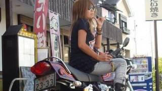 美しすぎる美女ライダー Kawasaki ZEPHYR 750 ZR750 茨城県 https://you...