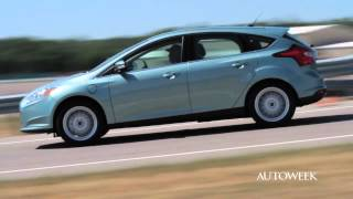 Interactive editor dale jewett talks to ford engineer chuck gray about the 2013 focus electric. builds electric right alongside stand...
