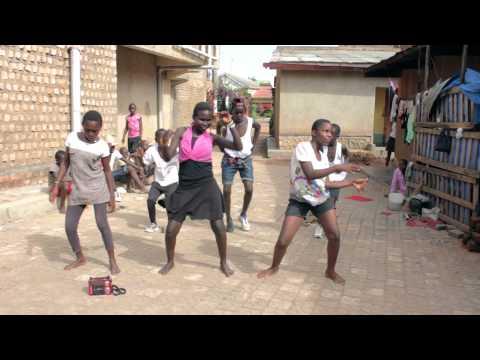Sparks Ghetto Kids dancing Gulu Omako Mac by Acholi Rappe thumbnail