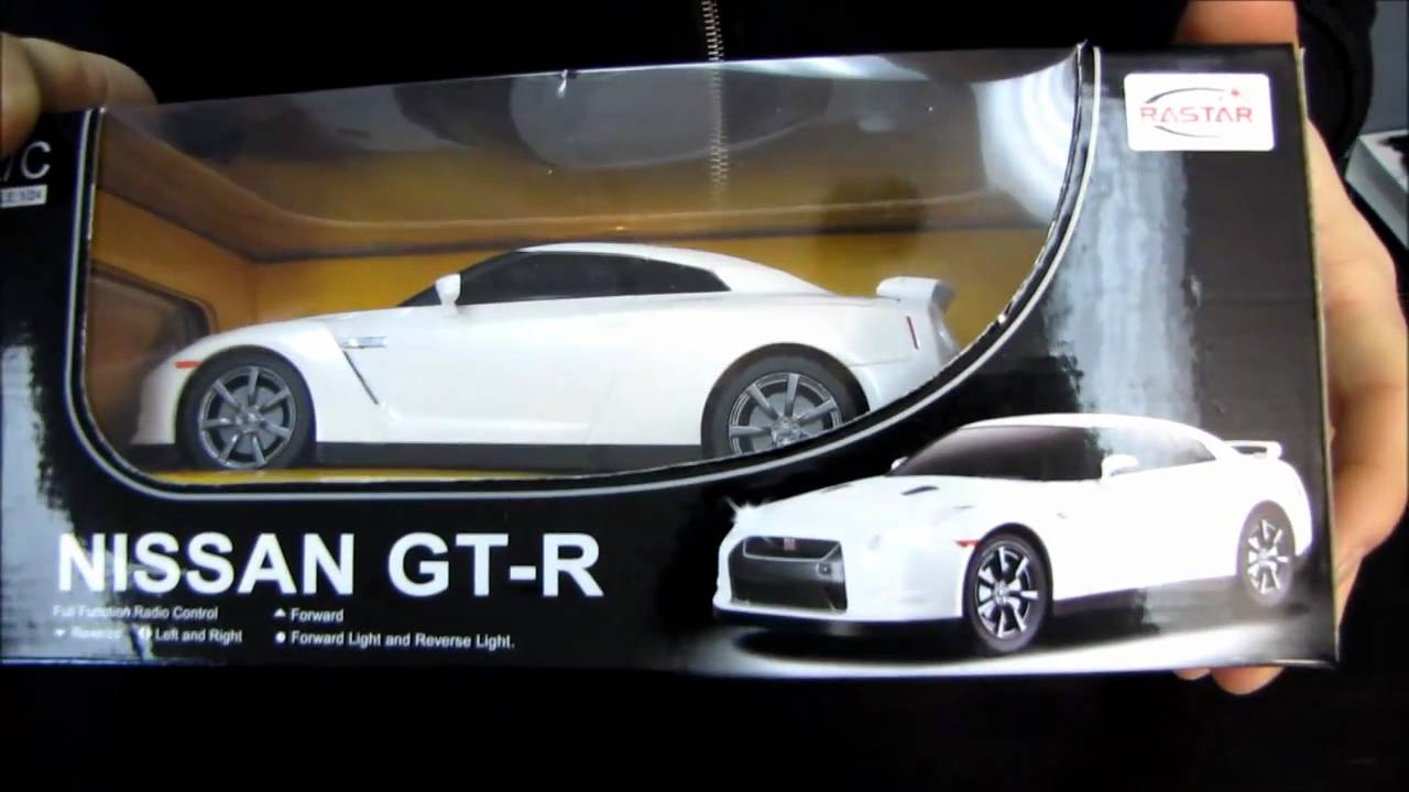 Nissan GT-R Remote Control Car Unboxing & Test Drive Linus Tech Tips ...