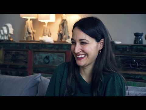 Гюпсе Озай: Женщина-комик борется со стереотипами в турецких фильмах