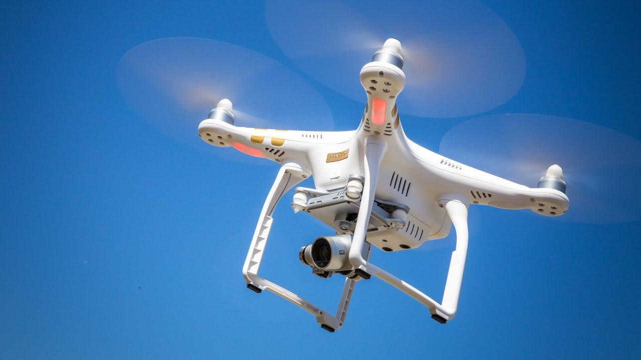 Commander drone definition et avis drone with camera comparison