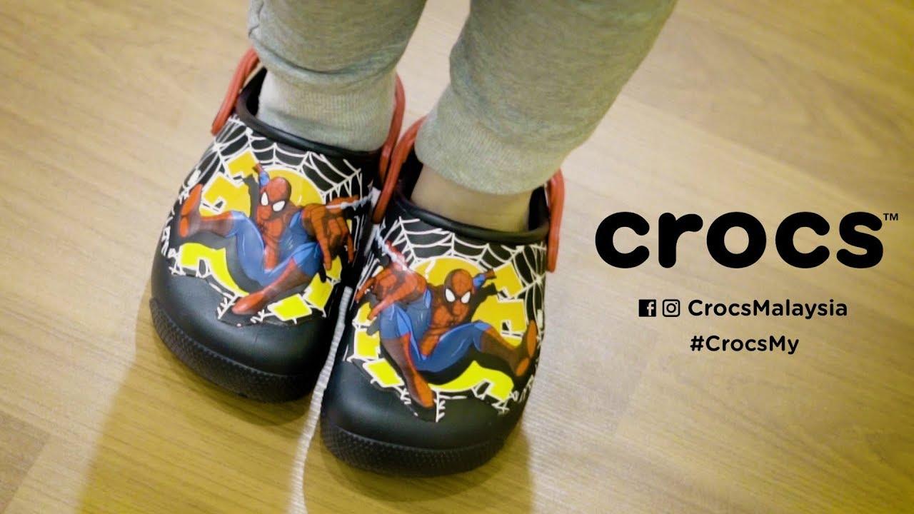 ba764499d7e6 Kids  Crocs Fun Lab Lights Spider-Man™ Clogs - YouTube