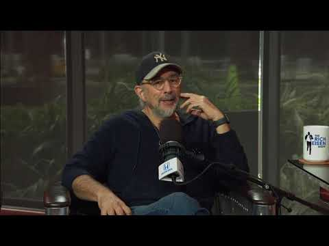 "Richard Schiff: Rob Lowe Is Not Part of My ""West Wing"" Reboot 