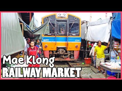 railway-market-'mae-klong'- -bangkok-guide-smile- -bangkok-tour-guide-2019