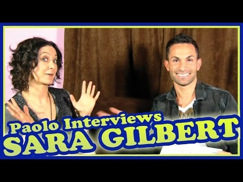 "Sara Gilbert on ""The Talk"", ""Roseanne"" & Vegan Cookies!"