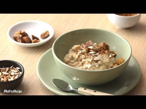 Porridge with almonds and dried figs