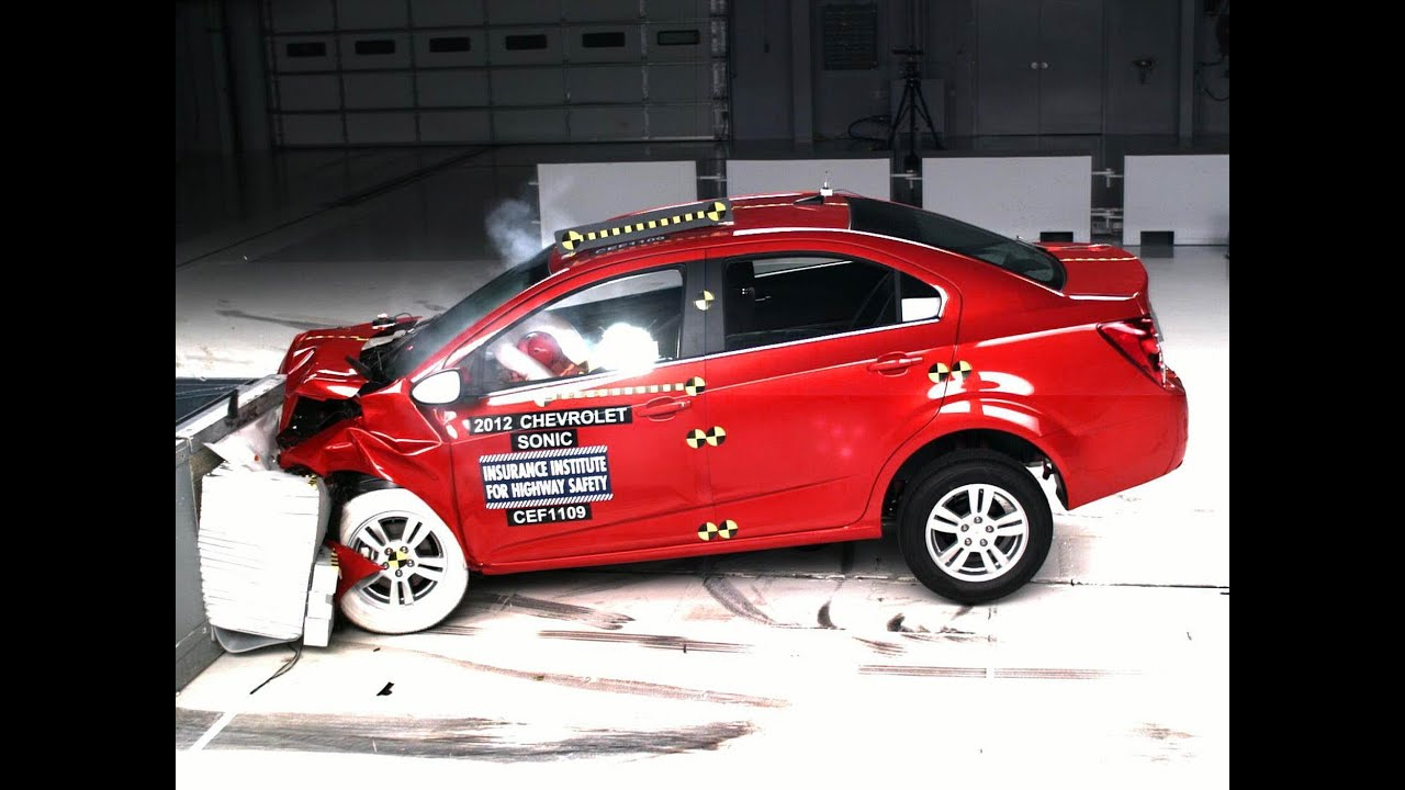 2012 chevrolet sonic moderate overlap iihs crash test. Black Bedroom Furniture Sets. Home Design Ideas