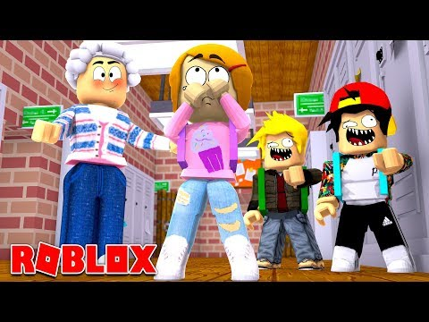 Repeat Happy Roblox Family Swimming At The Pool By The Toy