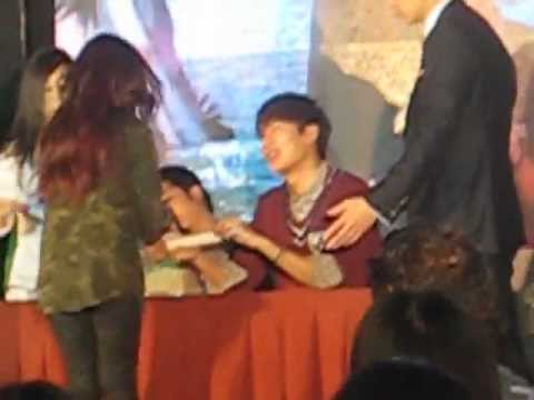 Lee Min Ho at SM Mall of Asia, Music Hall, November 18, 2012