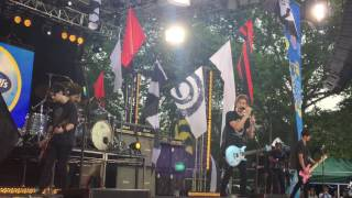 Download Shes Kinda Hot- Rehearsal- 5SOS LIVE ON GMA 2015 MP3 song and Music Video