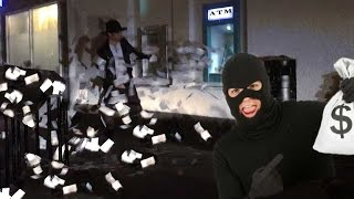Magician robs Bank PRANK!💰 - Julien Magic