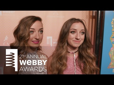 Brooklyn and Bailey McKnight on the Red Carpet at the 21st Annual Webby Awards