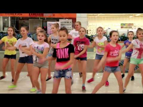 ŽVAIGŽDŽIŲ TAKAS - STREET DANCE SHOW vaikų gupė - Kalėdinis šokių koncertas 2016.12.16