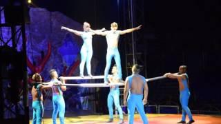 Aritisten auf dem russischen Balken im Circo Aquatico ( Weihnachts Zirkus ) 26.12.2016