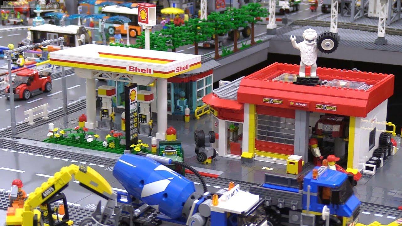 Custom LEGO Shell Gas Station & Repair Shop tour ⛽ 2017 MOC redux