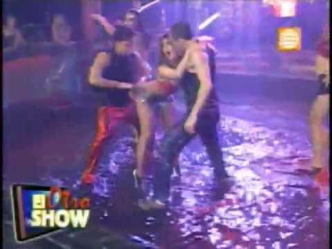 A Michelle Rodriguez se le baj el bikini, y ense por delante y por ...