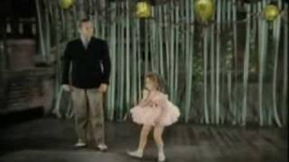 Shirley Temple: Singing and dancing (1932-1935)