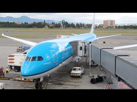 KLM's FANTASTIC Business Class: Bogota to Amsterdam | B787-9 Dreamliner