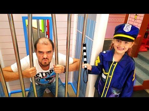 Nastya y Papa elige profesión Mi Mi Kids