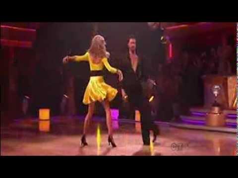 Erin Andrews & Maks Chmerkovskiy - Cha Cha Finale