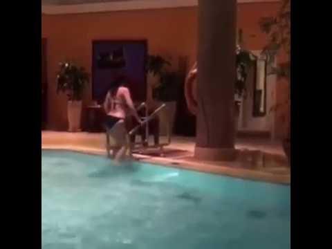 بالفيديو سما المصري في حمام السباحة الجزءالثاني