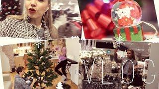 ВЛОГ: Гуляем по рождественскому магазину, наряжаем елку, украшаем дом