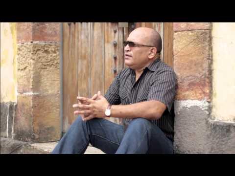 VIDEO TONY ROMAN - A SUS PIES