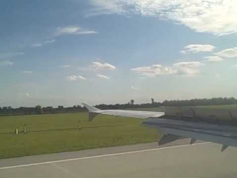Lufthansa Airbus A321-100 soft landing at München International Airport, Germany