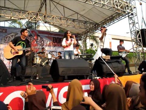 HiVi! - Lihatlah Dunia (Live at BOFMAN MAN 4 Jakarta)