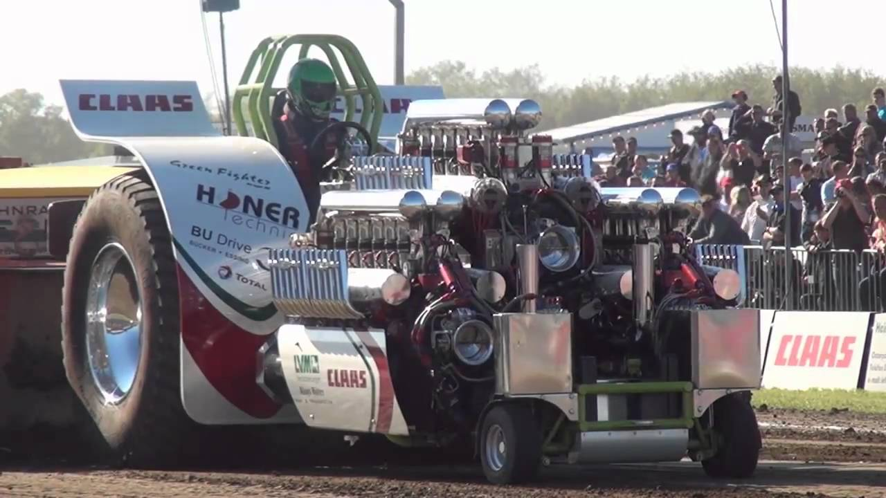 Modified 4,5t Tractor Pulling Füchtorf 2011