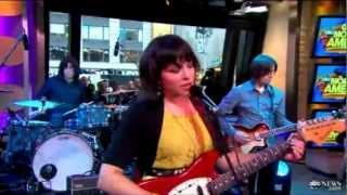 Norah Jones - Little Broken Hearts (live @ GMA)