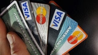 US credit card debt surges thumbnail