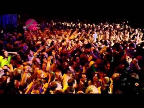 Oasis - Slide Away (Live BBC Electric Proms)